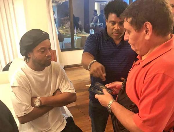 Ronaldinho e Assis segue presos preventivamente no Paraguai. Foto: Divulgação
