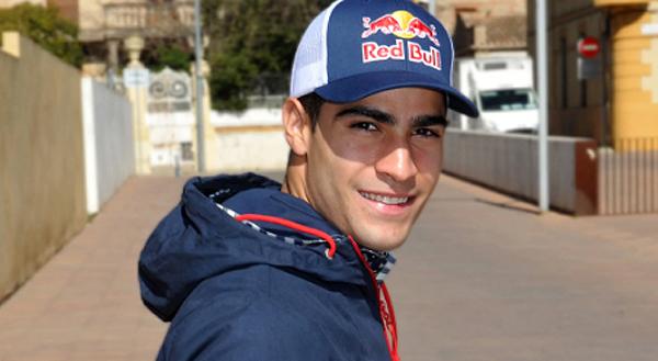 Mineiro de 21 anos retorna ao time austríaco. Foto: Aston Martin Red Bull Racing