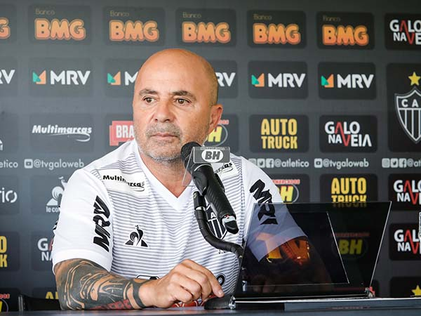 Treinador argentino destacou que o Galo jogará de maneira ofensiva. Foto: Bruno Cantini / Agência Galo / Atlético