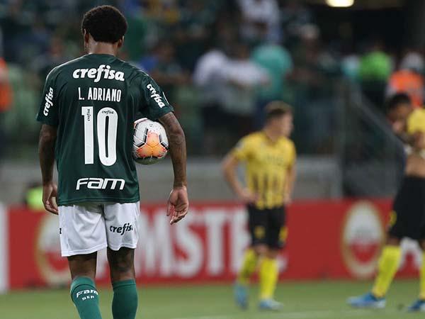 Atacante palmeirense tem tripletes marcados tanto na Libertadores quanto na Liga dos Campeões da Europa. Foto: Cesar Greco