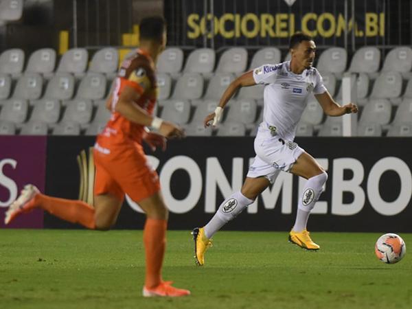 Com Jesualdo no comando do Santos, Pituca tem jogado mais adiantado. Foto: Ivan Storti/Santos FC