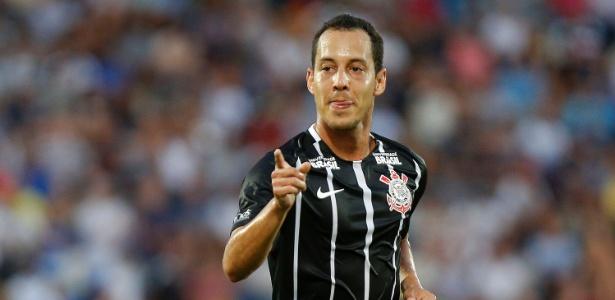 O meia Rodriguinho fez comentários positivos sobre o jogador de 33 anos. Foto: Daniel Vorley/AGIF - via UOL
