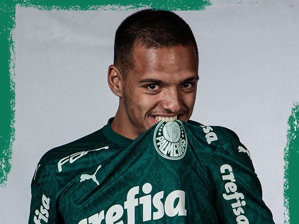 Volante palmeirense tinha vínculo até o meio de 2023. Foto: Palmeiras/Divulgação