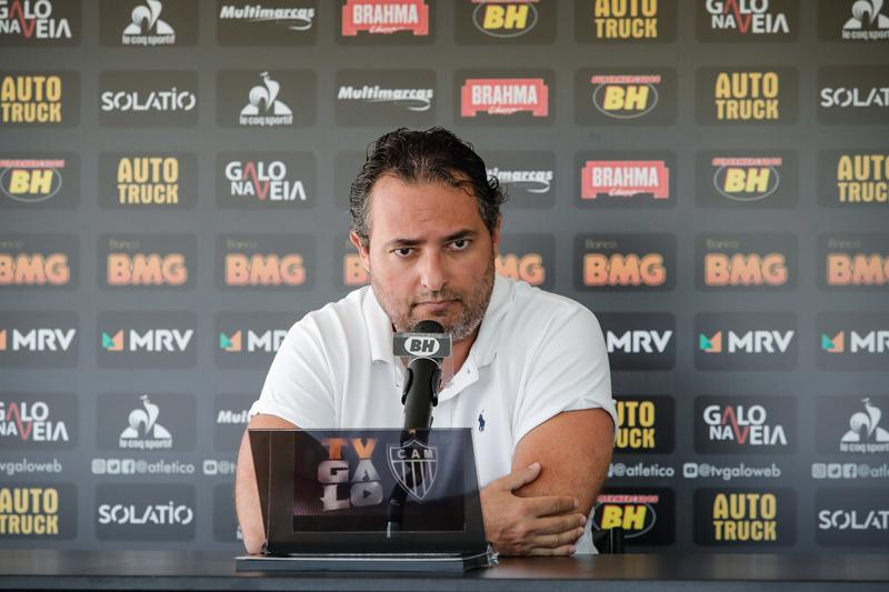 Diretor de futebol respondeu perguntas de jornalistas que foram encaminhada à assessoria. Foto: Divulgação/CAM