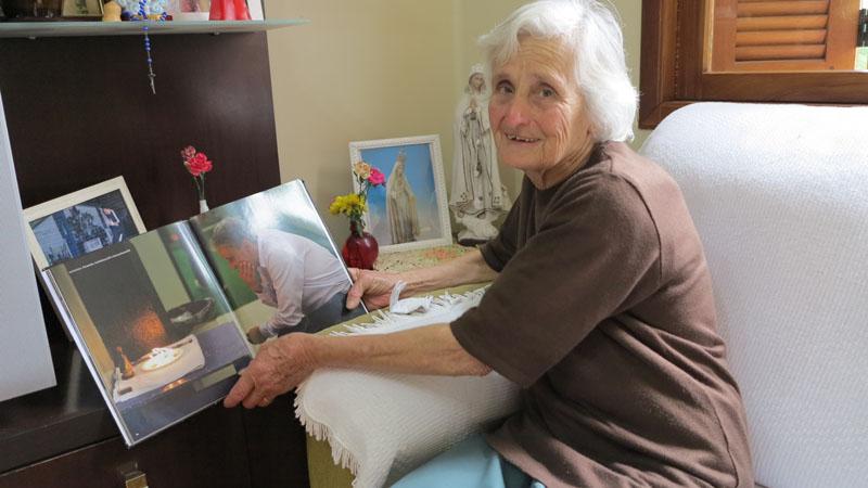 Ela tinha 83 anos de idade e a causa foi natural