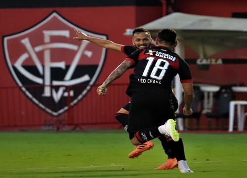 O único gol da partida foi marcado por Léo Ceará, no segundo tempo