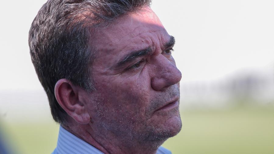 Presidente do Corinthians não esconde intenção de contratar lateral esquerdo de forma definitiva