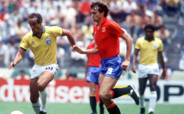Vicente Del Bosque foi mantido assim como Telê Santana após a bela campanha de 1982