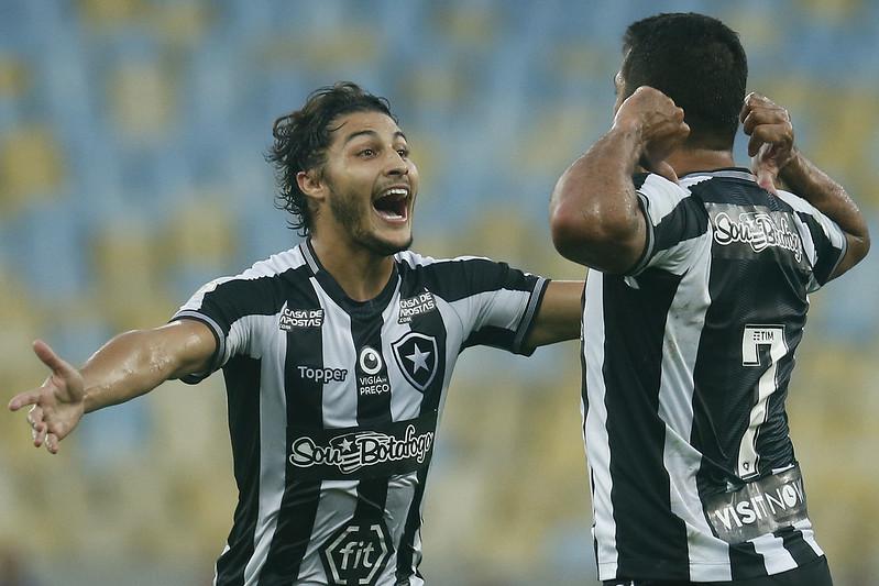 Marcinho, lateral do Botafogo. Foto: Vitor Silva/Botafogo