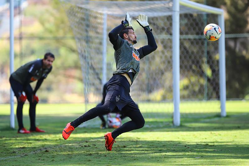 Defensor do Atlético segue firme nos treinamentos. Foto: Divulgação/CAM