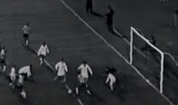 O Peixe abriu três gols de vantagem mas o Timão foi buscar a igualdade. Foto: Reprodução / YouTube