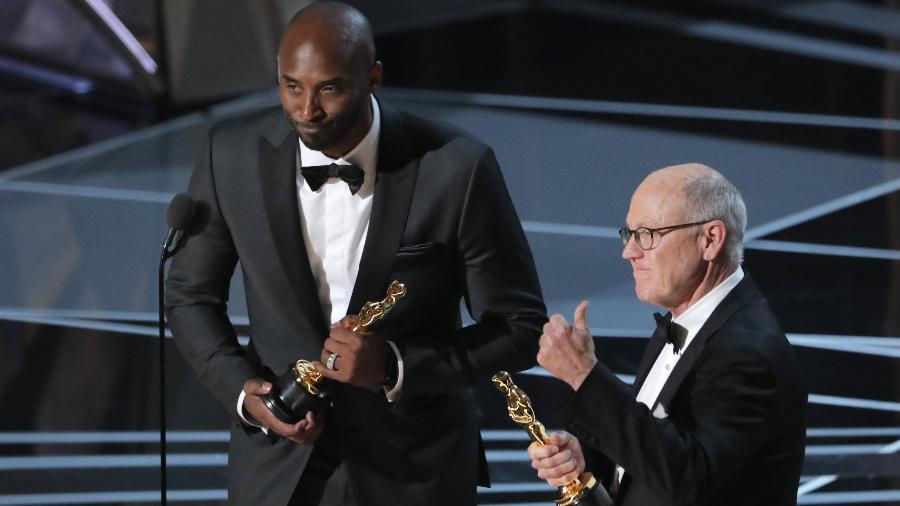 O ex-jogador dos Lakers ganha seu primeiro prêmio em sua nova empreitada