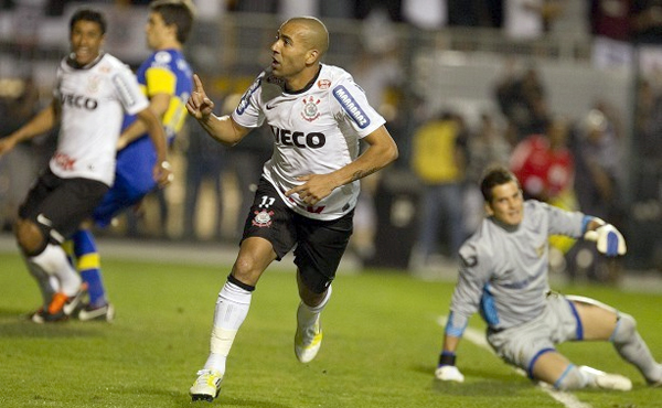 Atacante corintiano marcou os dois gols do Corinthians contra o Boca Juniors. Foto: Daniel Augusto Jr. / Ag. Corinthians