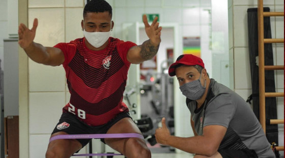 Carlos se contundiu no mês passado. Foto: Letícia Martins/ECV