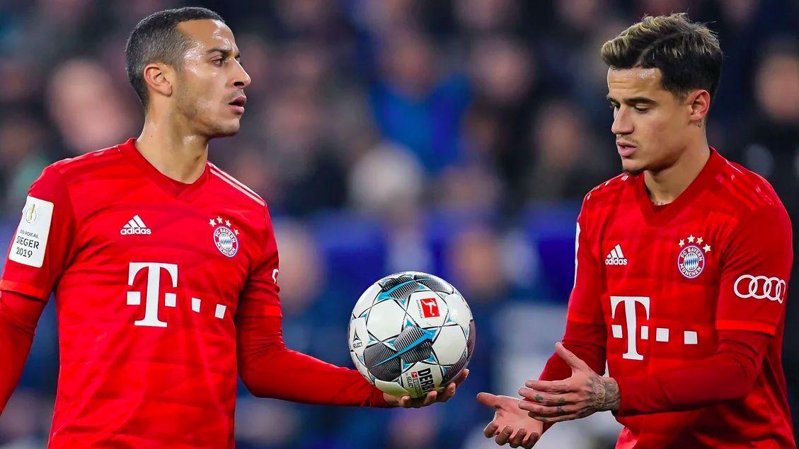 Thiago Alcântara e Coutinho em jogo do Bayern de Munique
