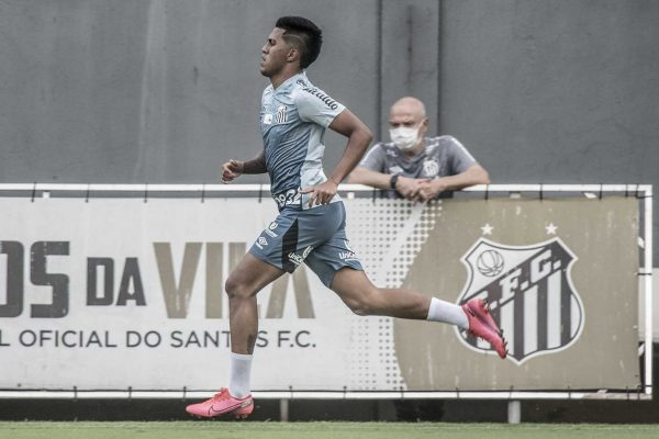Ivonei integra elenco profissional do Peixe. Foto: Ivan Storti/ Santos FC
