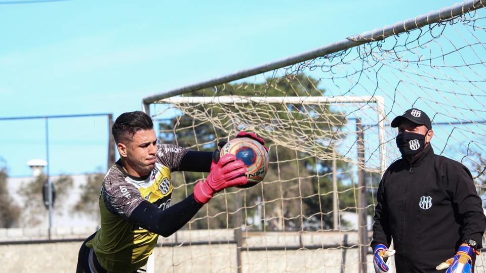 Ivan é um dos destaques do time campineiro. Foto: :PontePress / LuizGuilhermeMartins