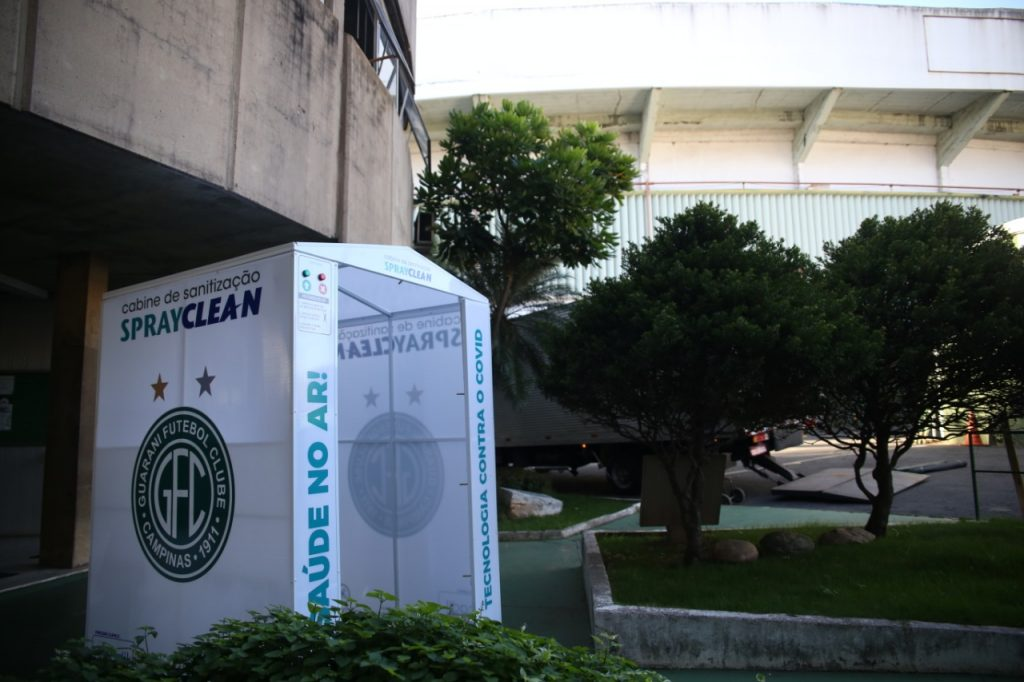Cabines de desinfecção estão presentes no complexo esportivo do clube de Campinas. Foto: Divulgação / Guarani
