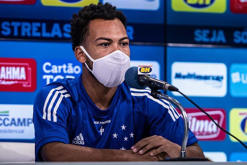 Meia logo estará trabalhando com os demais companheiros de clube. Foto: Gustavo Aleixo / Cruzeiro