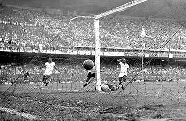 Schiaffino e Ghiggia calaram o Maracanã em 16 de julho de 1950. Foto: Divulgação