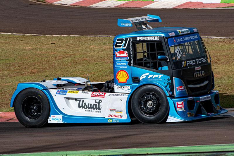 Categoria de caminhões é mais uma que leva a famosa concha amarela e vermelha. Foto: Rafa Catelan / Ferrari Promo