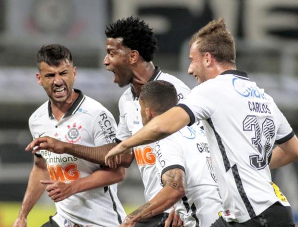 Gil comemora o gol da vitória contra o Palmeiras. Foto: Rodrigo Coca/Ag. Corinthians
