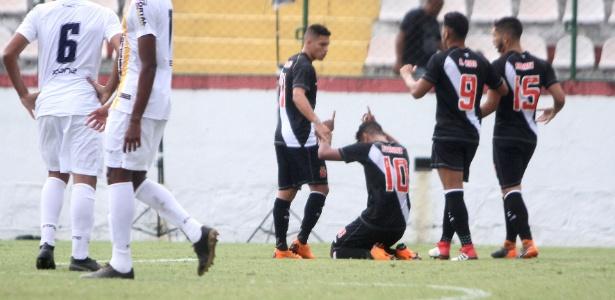 Jogadores do Vasco contraíram virose após a vitória sobre o Madureira