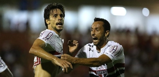 Rodrigo Caio, que vai defender a seleção a partir da próxima semana, e Nenê