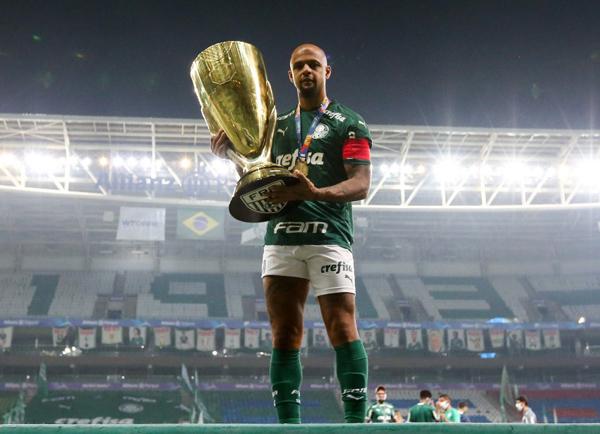 O zagueiro provocou o Corinthians, após a conquista do título. (Foto: Palmeiras)