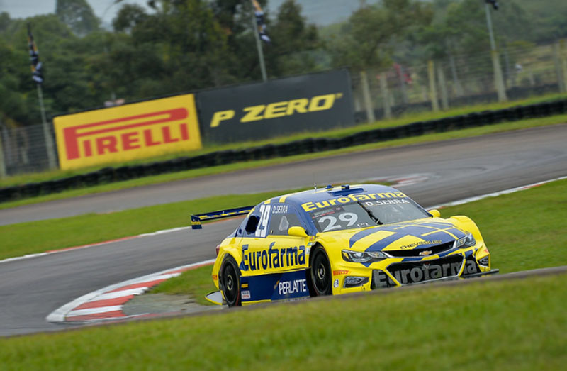 O bicampeão acertou na estratégia de pneus para ganhar a prova gaúcha. Foto: Duda Bairros/Stock Car