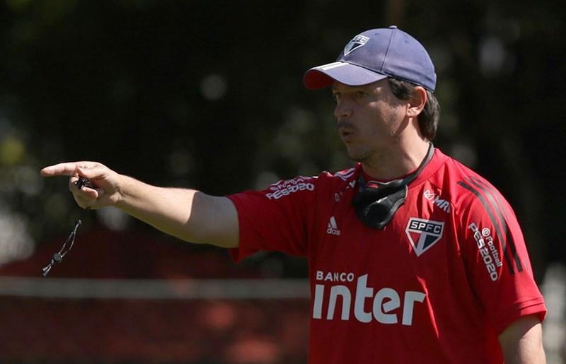 Equipe de Fernando Diniz enfrenta o Fortaleza no Morumbi. Foto: Rubens Chiri / saopaulofc.net
