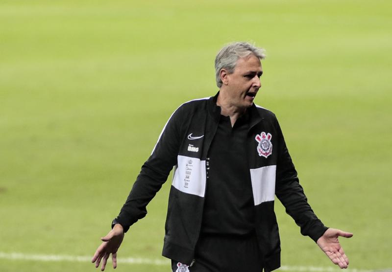 Tiago Nunes tem algumas dúvidas para o jogo. Foto: Rodrigo Coca/Agência Corinthians