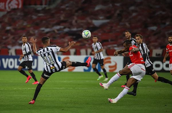 Com a vitória o Inter assumiu a liderança. (Foto: Atlético-MG)