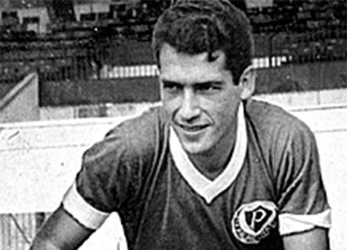 Pires defendeu o Palmeiras nos anos 60