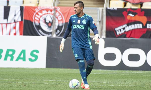 Goleiro rubro-negro sofreu lesão no ombro. Foto: Alexandre Vidal/Flamengo