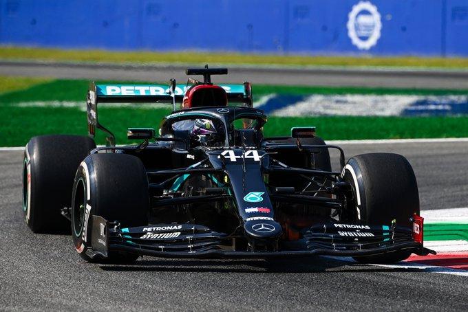 Inglês superou o companheiro de equipe, que havia liderado o TL1. Foto: Mercedes-AMG F1