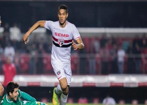Souza atualmente defende o Al-Ahli, da Arábia Saudita (Foto: Leonardo Soares/UOL)