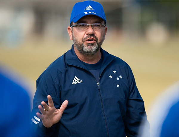 Enderson estava no Cruzeiro desde maio. Foto: Divulgação/Cruzeiro