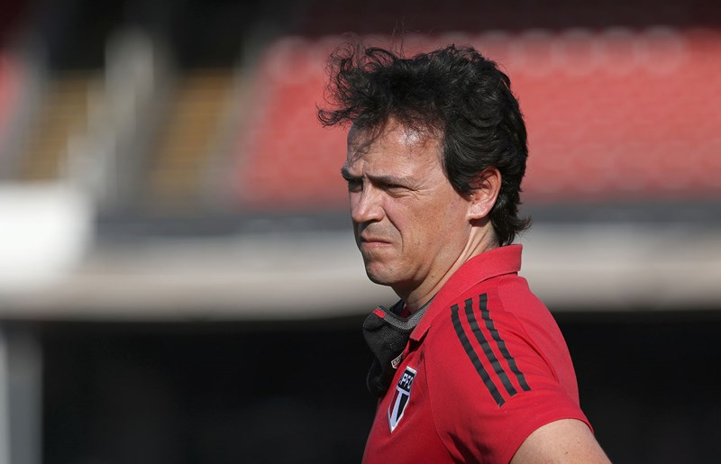 Fernando Diniz pode mudar peças na equipe. Foto: Rubens Chiri / saopaulofc.net