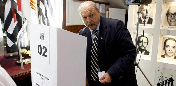 Atual presidente entregou dossiê com suposta fraude na última eleição na Vila Belmiro