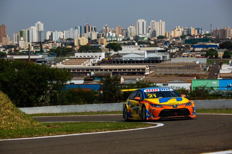 Domínio na classificação foi da Ipiranga Racing, que forma a primeira fila. Foto: Rafael Gagliano/Hyset/Divulgação