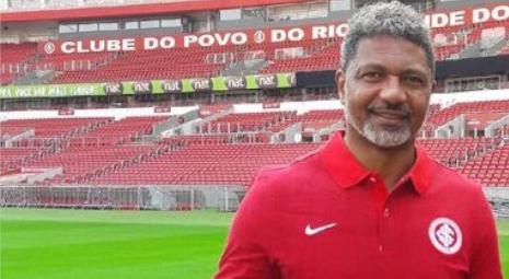 Ele também passou pelo futebol europeu. Foto: Divulgação/Internacional
