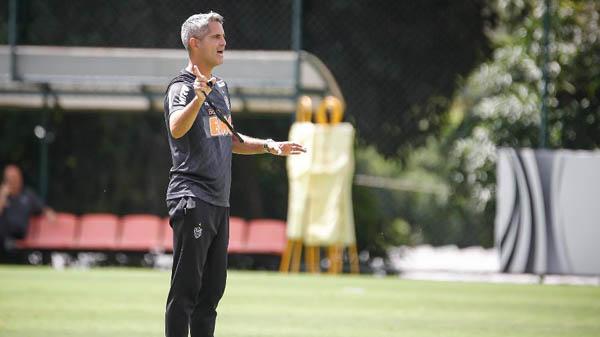 Rodrigo Santana mudou carreira por conselho do amigo Carille. Foto: Bruno Cantini/Divulgação/Atlético-MG/Via UOL