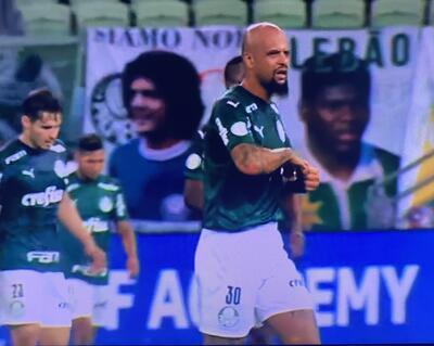 O clássico entre Palmeiras e Flamengo foi um verdadeiro `show de horrores`