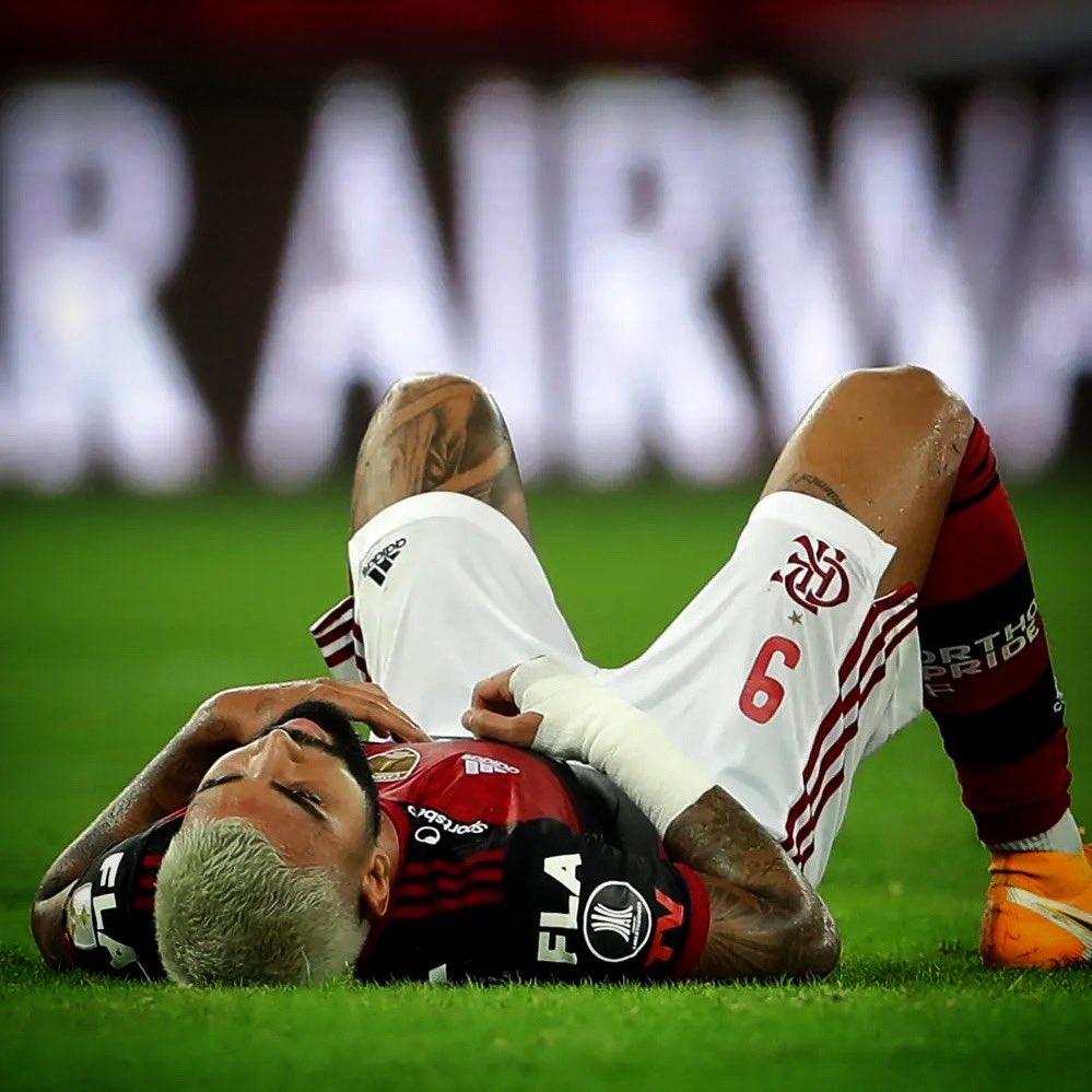 Camisa 9 flamenguista voltava de lesão e foi substituído ainda no primeiro tempo do jogo contra o Del Valle. Foto: Instagram/Reprodução
