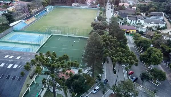 Vista aérea atual do Saint Moritz, clube na Serra da Cantareira. Foto: Reprodução