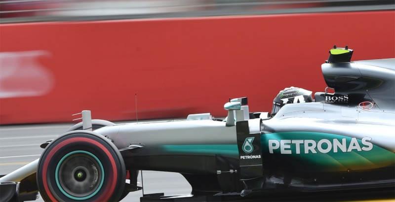 Nico Rosberg superou o companheiro Hamilton para ganhar em Melbourne