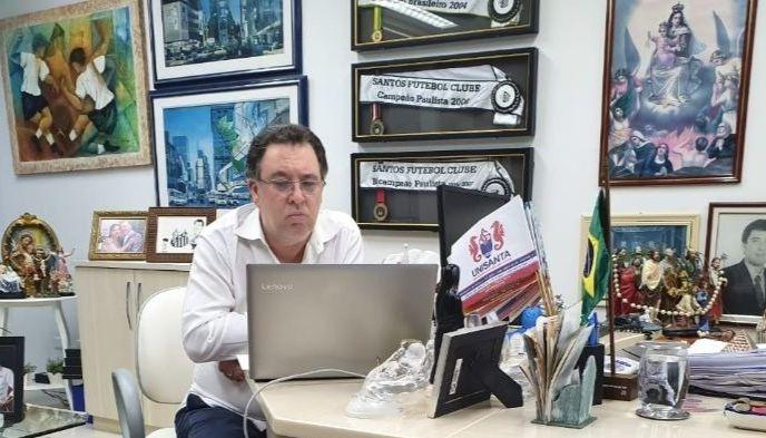 Teixeira foi o presidente campeão brasileiro em 2002 e 2004 com o Peixe. Foto: Santa Portal