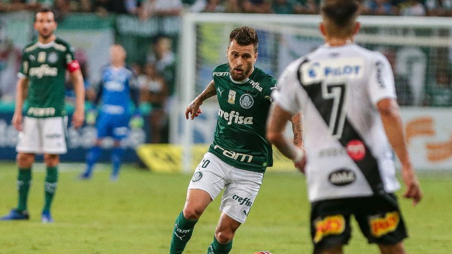 Lucas Lima vem fazendo um 2019 apagado no Palmeiras. Foto: Ale Cabral/AGIF