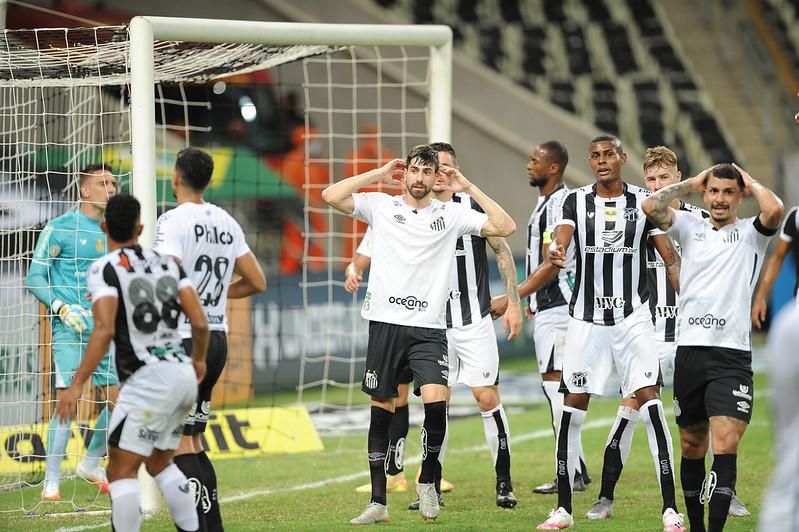 Zagueiro santista foi punido pela expulsão no jogo contra o Ceará. Foto: Ivan Storti/Santos FC
